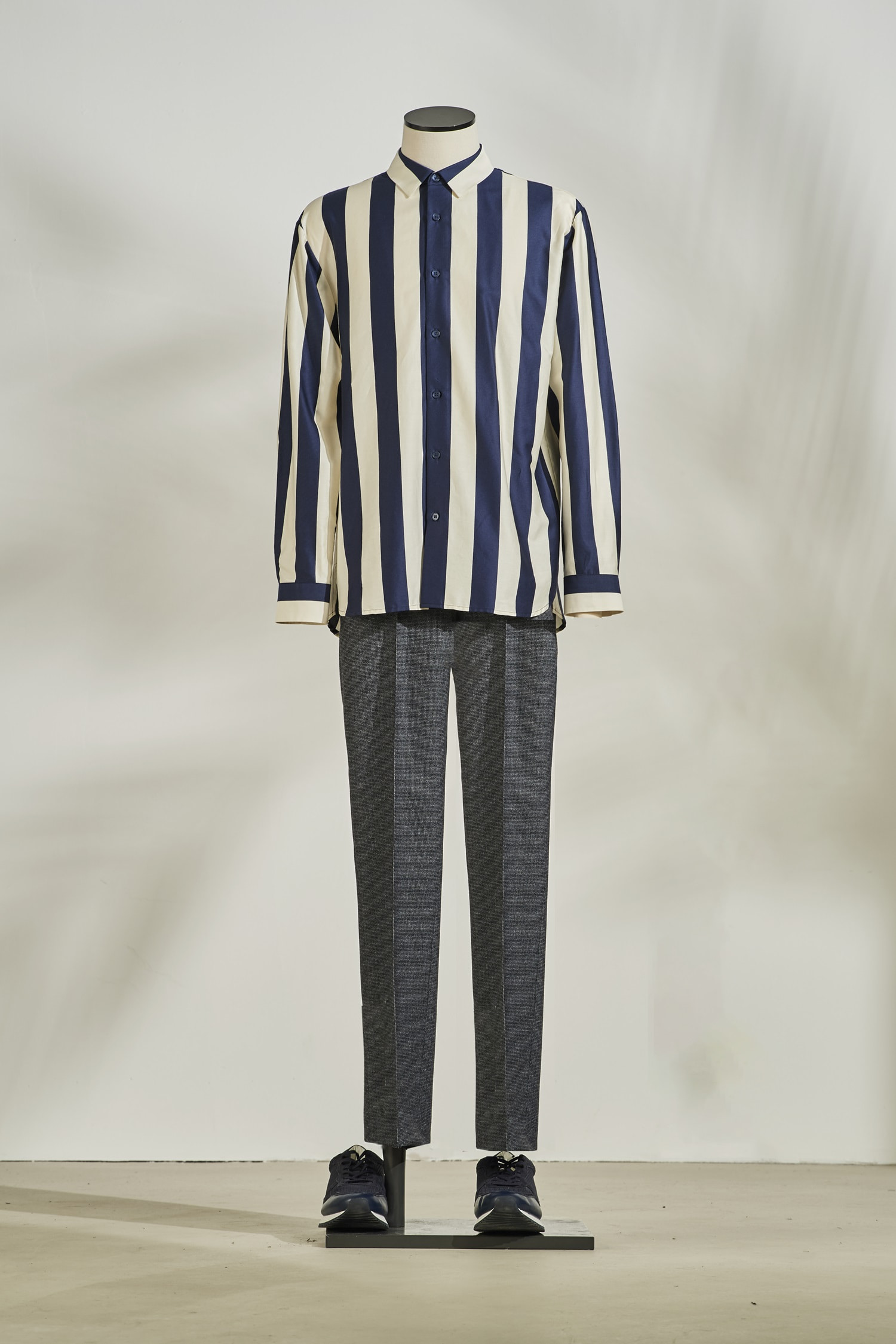 Wide stripe oversize shirt