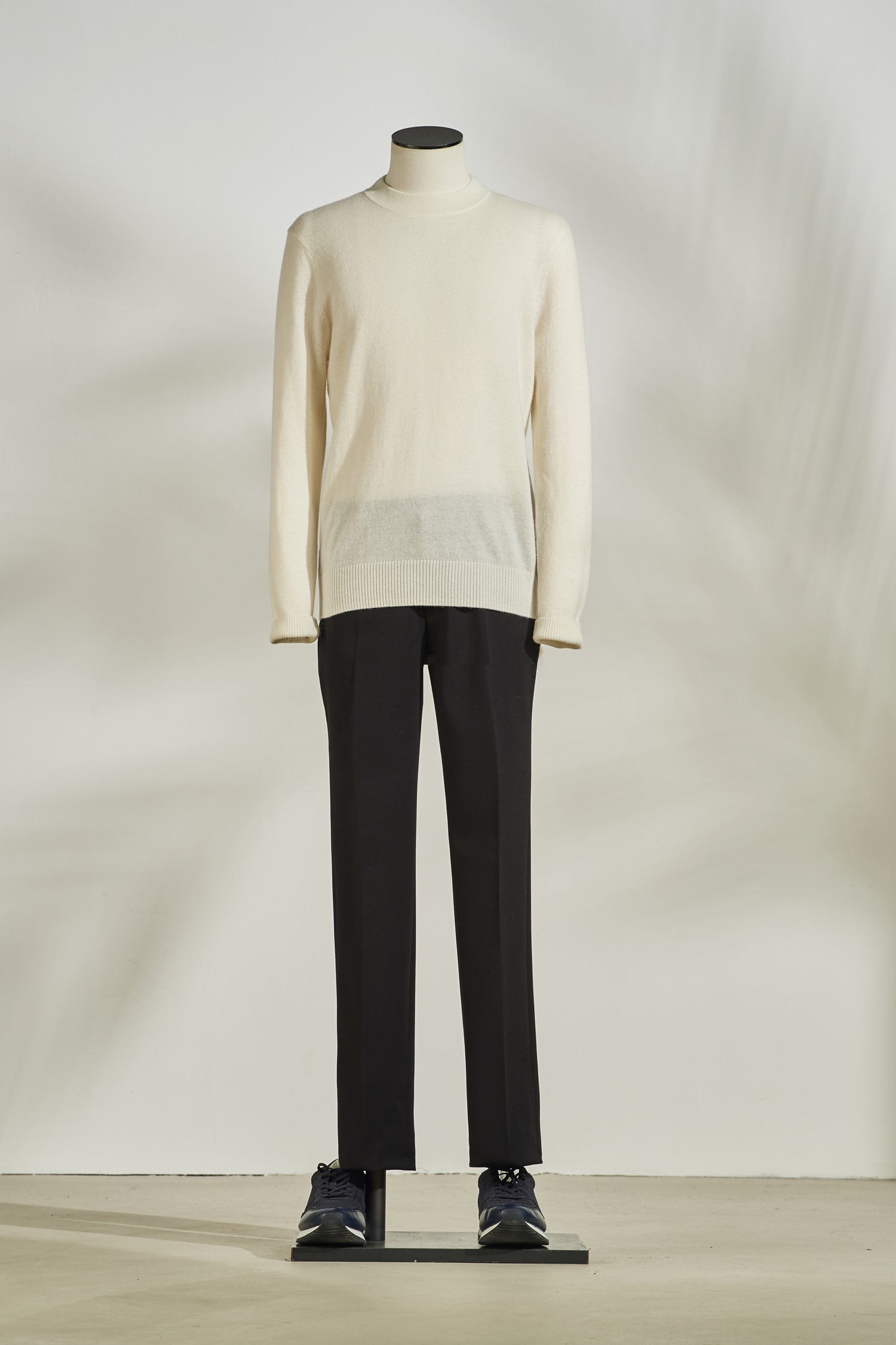 Cashmere Round Neck Knit #White